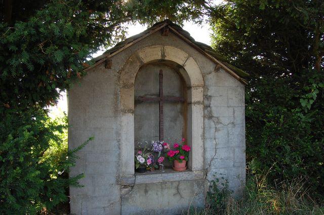 maison-croix-miraculeuse